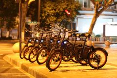 """""""GOGO""""现身杭州街头,共享电单车赛道再添新玩家"""